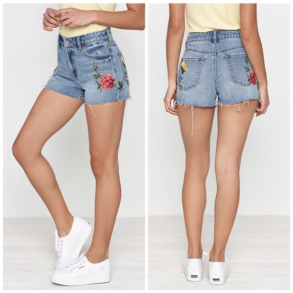 PacSun Pants - Flower shorts